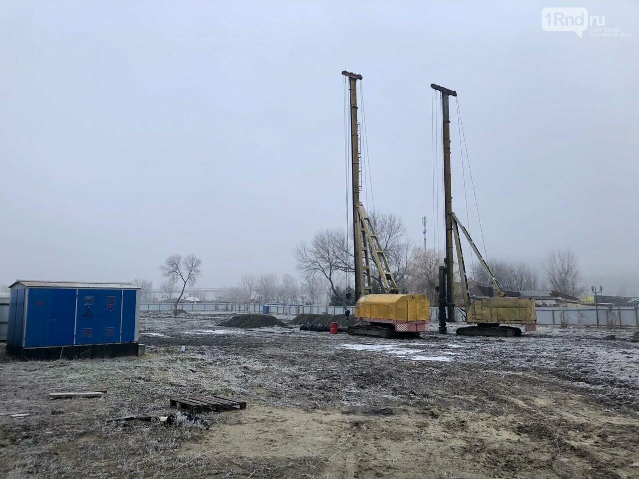 В Левобежном парке стратовало строительство парка аттракционов, 1rnd