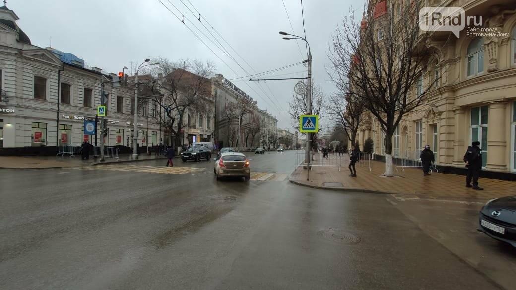 Мэрия Ростова, судя по всему, готовилась к осаде, Фото - Анна Дунаева