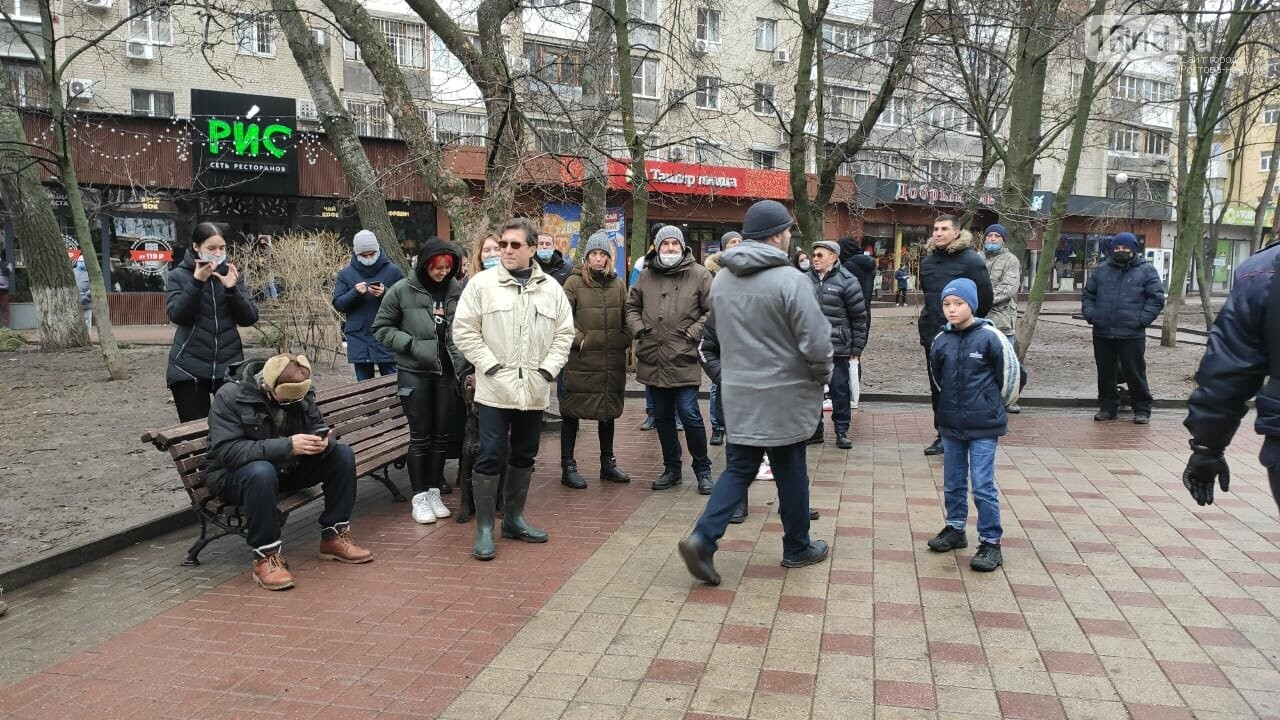 Центральные улицы Ростова сегодня были заполнены ОМОНом и полицей, Фото - Анна Дунаева