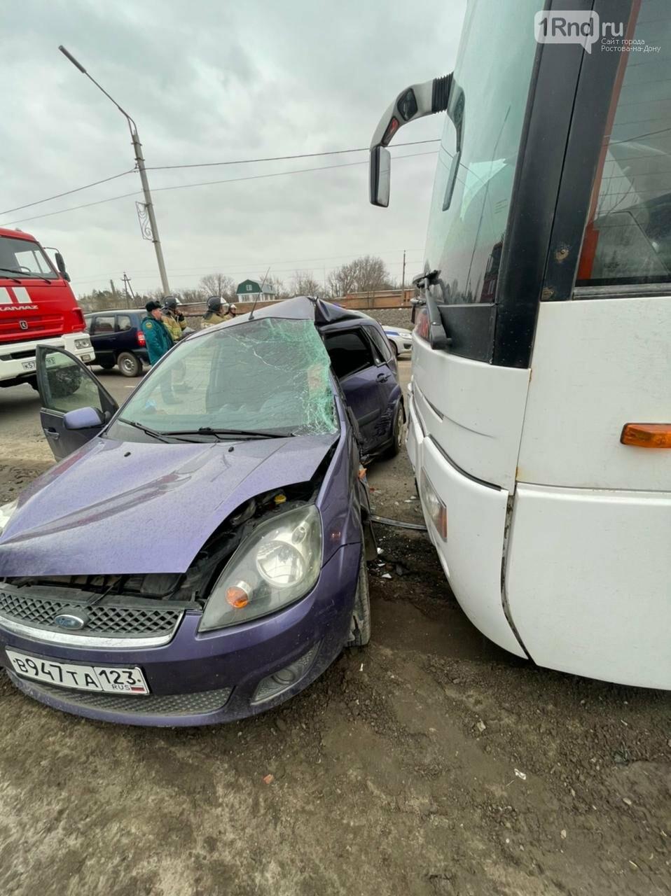 ДТП с автобусом Москва - Элиста, Сальск, 7 апреля, Фото ГИБДД РО