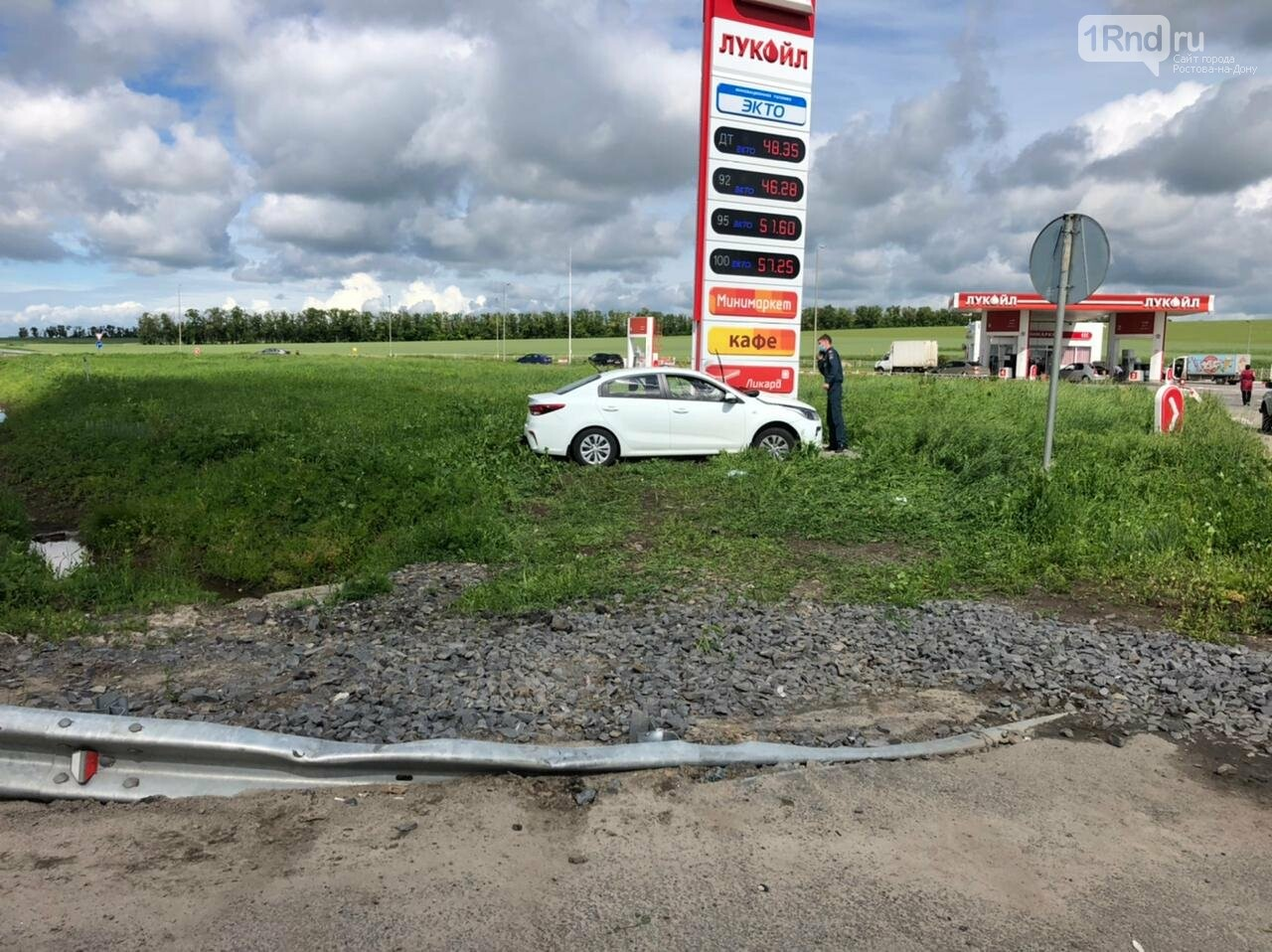 Четыре девочки и женщина пострадали в ДТП на трассе Ростов - Таганрог, Фото ГИБДД РО