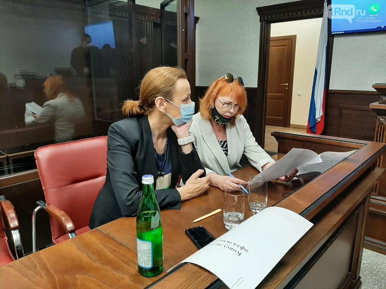 """""""Адвокаты"""" подсудимого"""