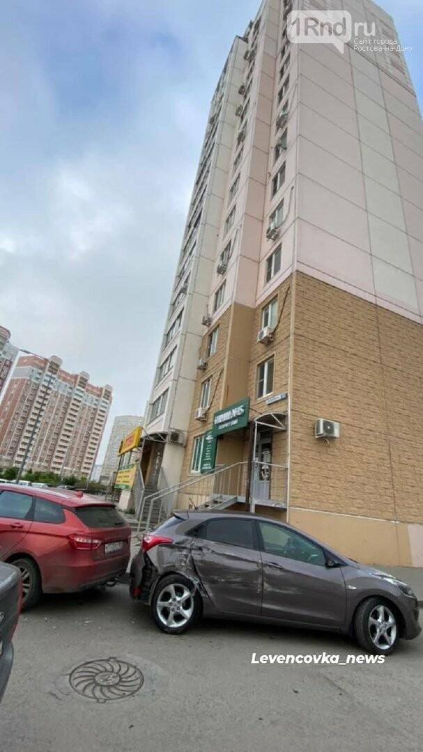 На Левенцовке неизвестный протаранил 5 припаркованных машин и скрылся, фото-4, Фото - Левенцовка_news