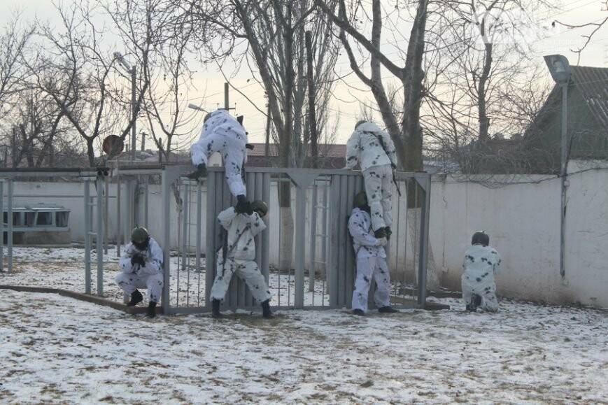 Под Ярославлем Росгвардия оцепила лес впоисках вооруженного мужчины