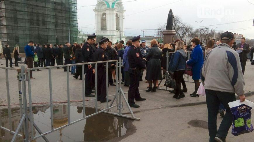 Вцентре Ростова проведут молебен попогибшим вметро Санкт-Петербурга