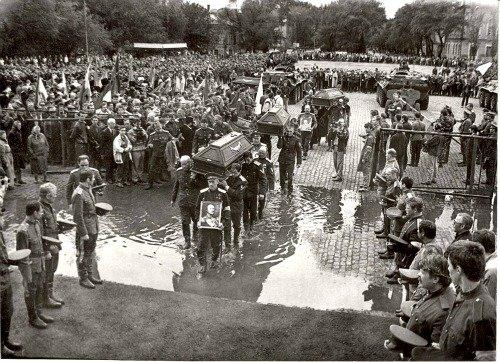 Архивное фото – церемония перенесения праха в усыпальницу, 1911 год