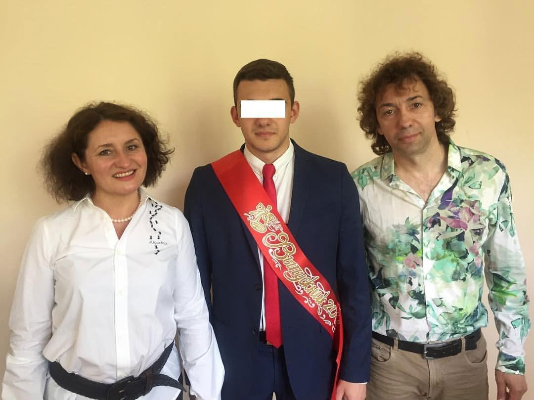 Николай Цацак с женой и сыном