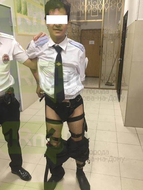 """Вооруженный до трусов """"полицейский"""" из Таганрога задержан в Туапсе, фото-2"""