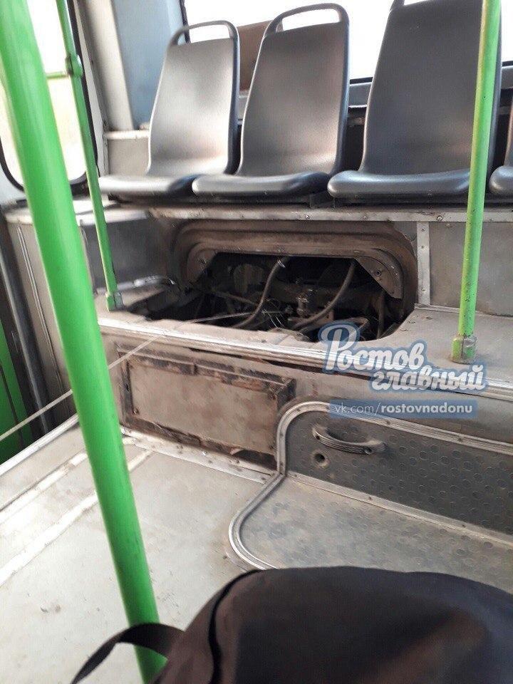 Власти Ростова прокомментировали управление автобусом с помощью веревки, фото-1