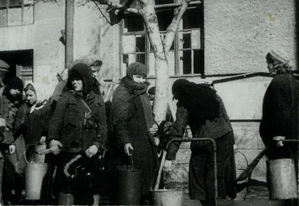 После освобождения: как Ростов-на-Дону возвращался к мирной жизни, фото-11