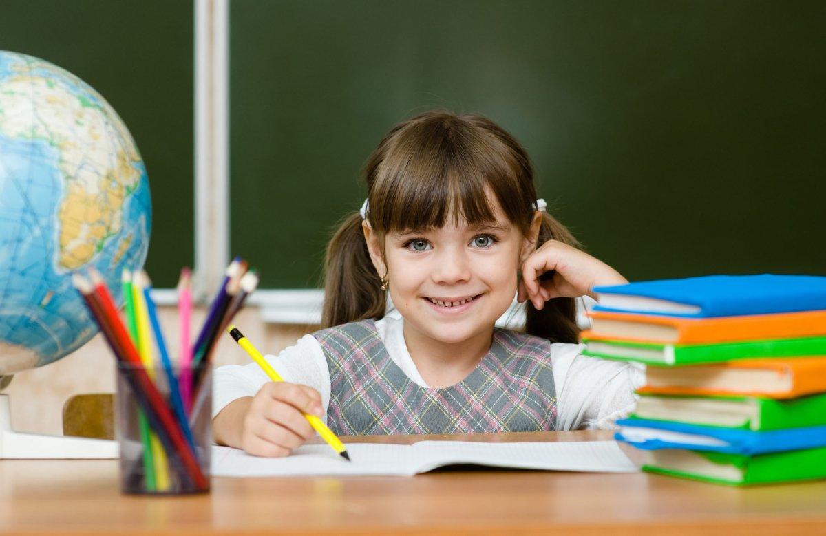 Перед школой: эксперты рассказали о нормах ученической формы и режима дня , фото-1, Фото: https://vot69.ru
