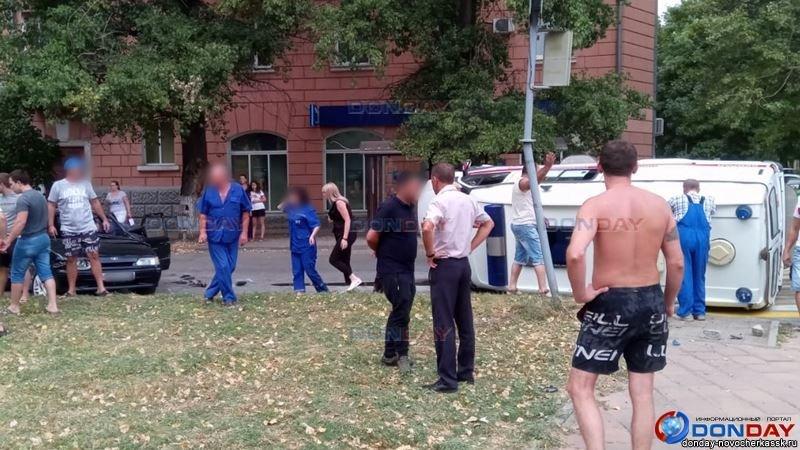 Четыре человека пострадали в ДТП со скорой в Новочеркасске, фото-1