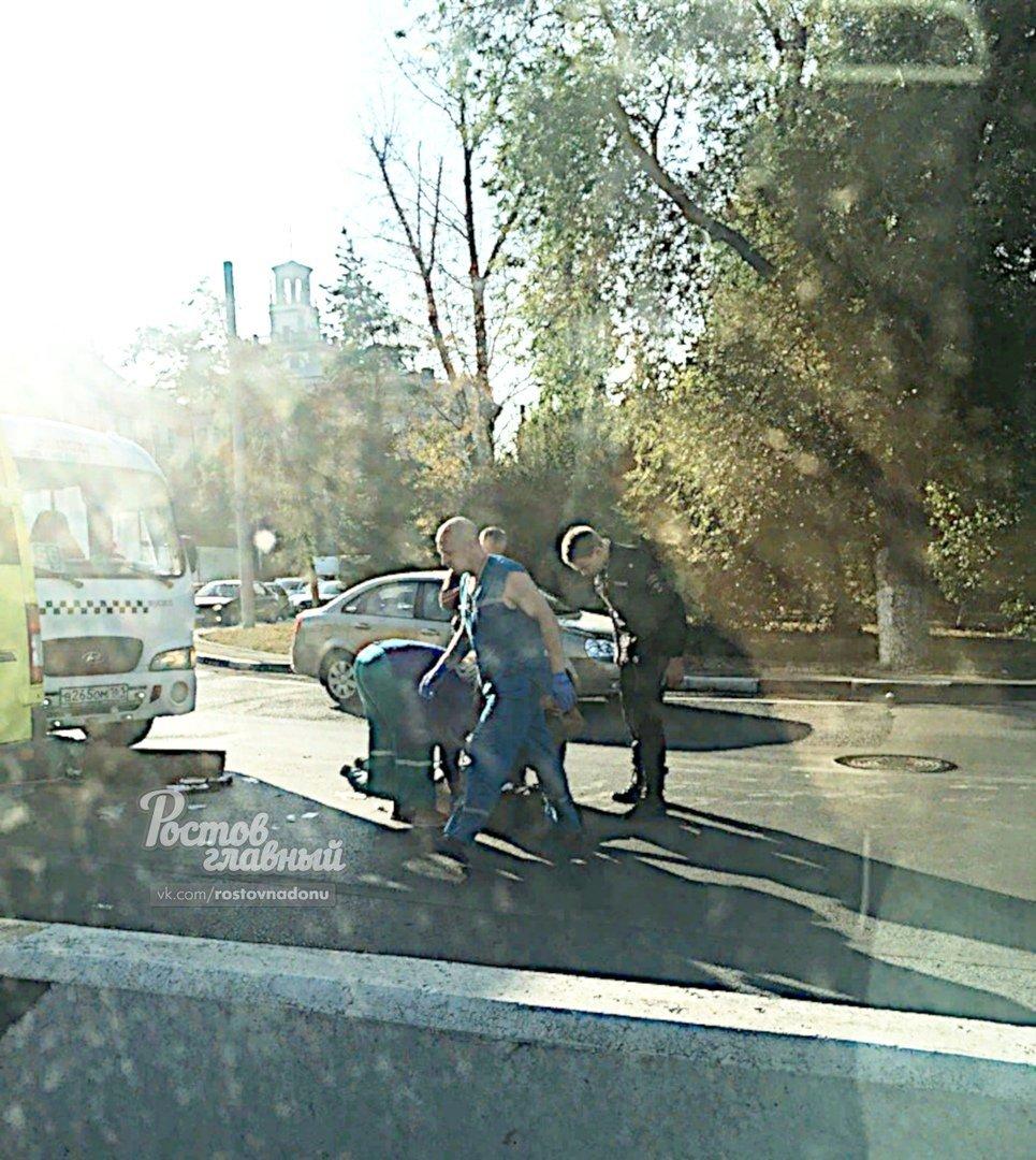В Ростове маршрутка сбила пешехода, фото-1