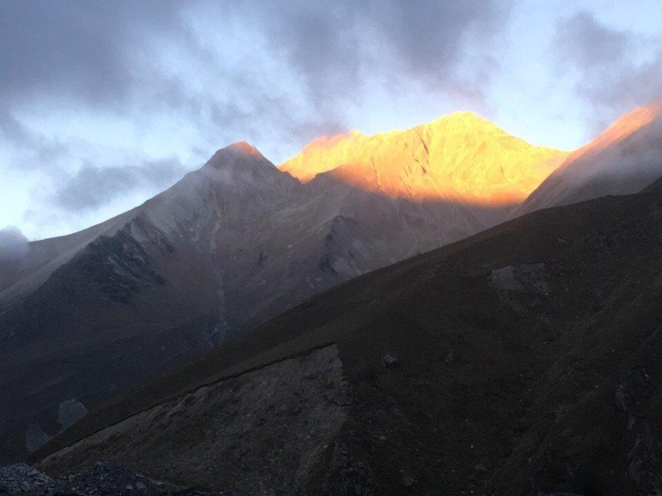 Рассвет на перевале Верхний Ларс
