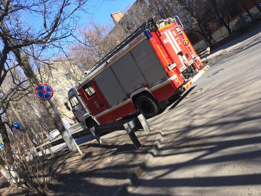 В Ростове третий день подряд идёт массовая эвакуация школ и ТРЦ, фото-2