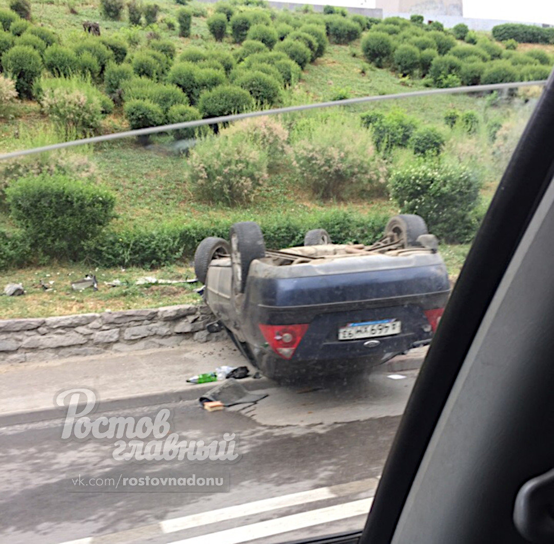 В Ростове-на-Дону водитель сбежал с места ДТП, фото-1