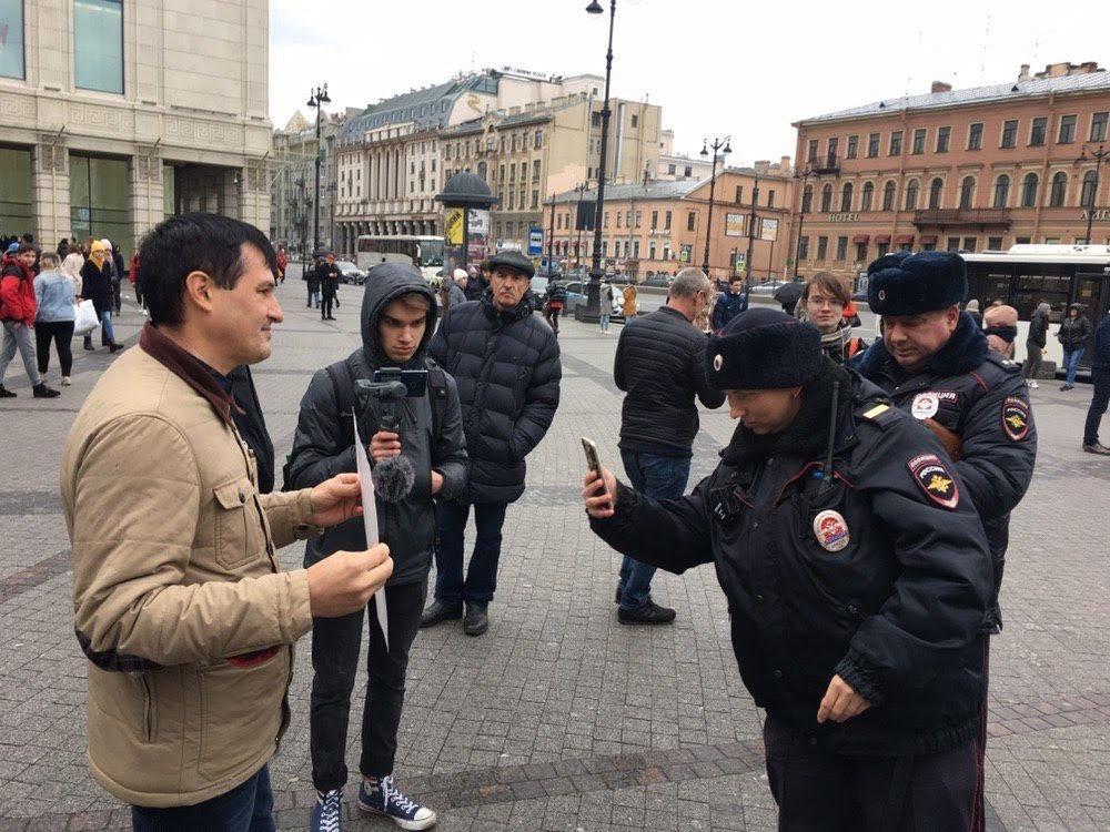 """Заставили спрятать """"Совесть"""": как прошла международная акция в поддержку ростовчан Сидорова и Мордасова, фото-8"""
