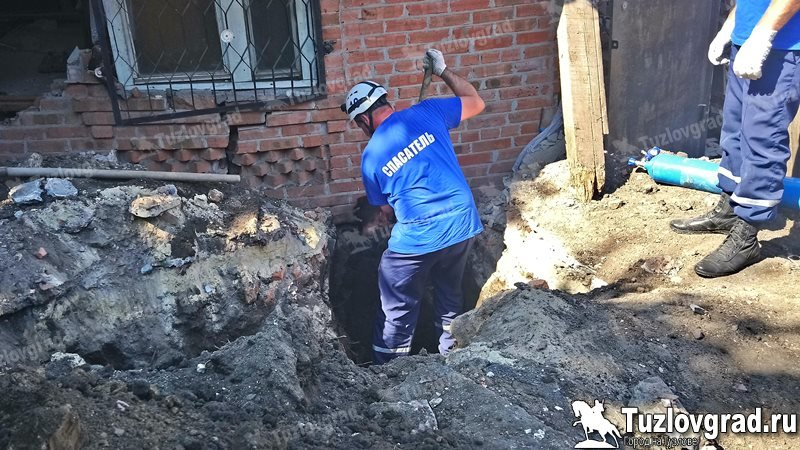 Два подростка пострадали при обрушении частного дома в Новочеркасске, фото-2