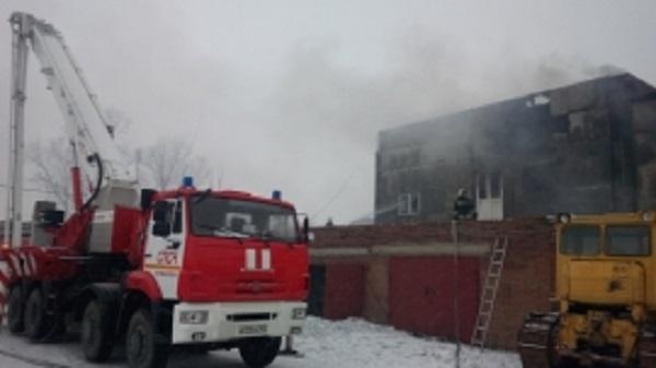 ВБатайске произошел интенсивный пожар наскладе