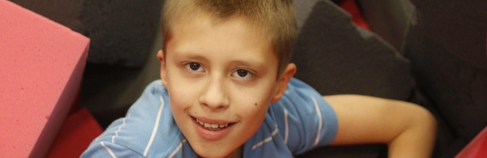 Мальчику из Азова нужна помощь для приобретения дорогого препарата